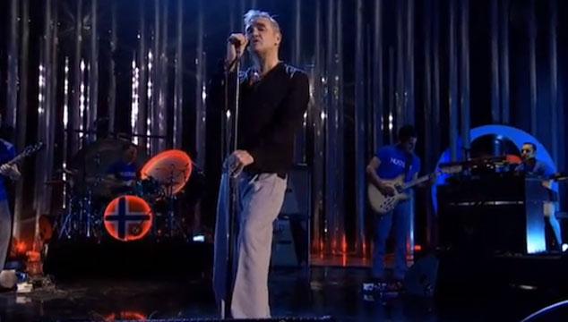 imagen Morrissey se presenta en el concierto de los Nobel de la Paz (VIDEO)