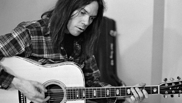 imagen Publican en streaming 'Live At The Cellar Door', nuevo disco en vivo de Neil Young grabado en 1970