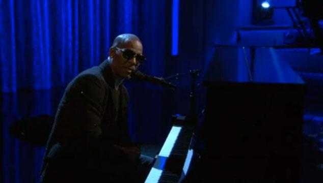 imagen R. Kelly rinde homenaje a Nelson Mandela en 'Arsenio Hall Show' (VIDEO)