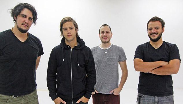 imagen 28/12: VINILOVERSUS suma tercer bajista a la banda