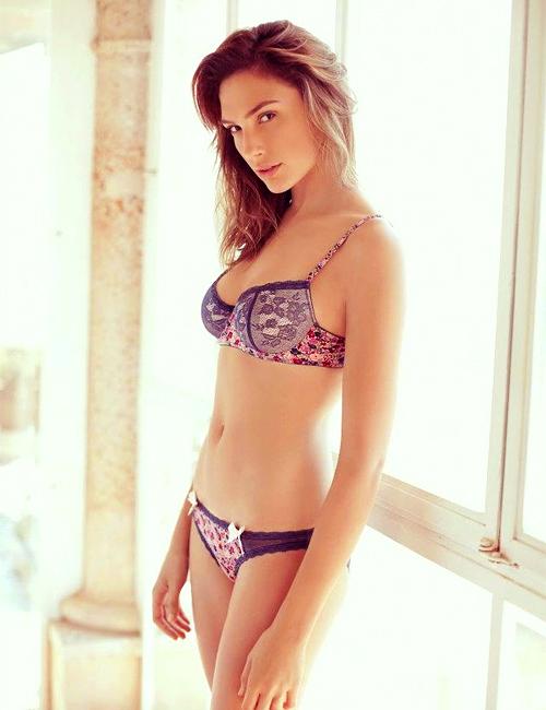 Resultado de imagen para fotos sexys de gal gadot