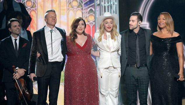 imagen El show de Macklemore y Ryan Lewis + Mary Lambert + ¡MADONNA! en los Grammys (VIDEO)