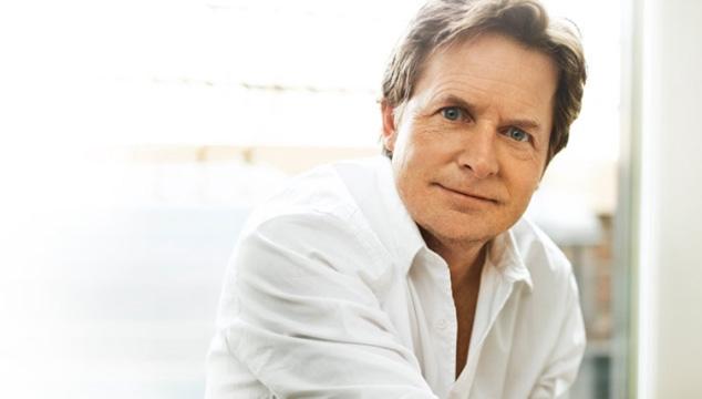 """imagen E! Entertainment se disculpa con Michael J. Fox por decir que su enfermedad era un """"dato divertido"""""""