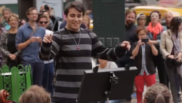 imagen ¿Qué pasaría si una persona común dirige una orquesta?