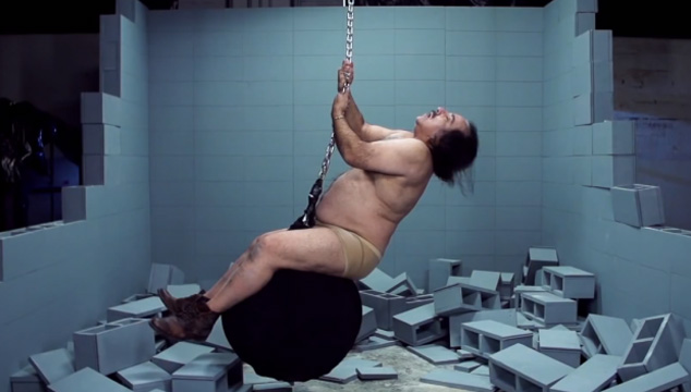 "imagen El actor porno Ron Jeremy recrea ""Wrecking Ball"" de Miley Cyrus"