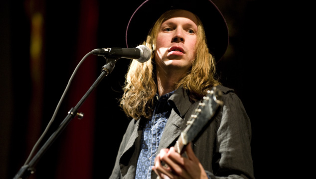 "imagen Beck hace cover a ""Love"" de John Lennon"