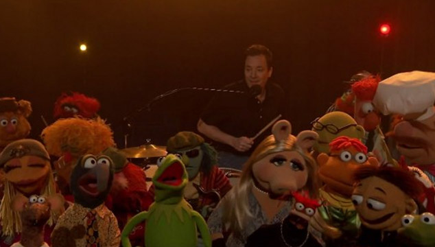 imagen Jimmy Fallon se despide de 'Late Show' con un musical acompañado de Los Muppets (VIDEO)