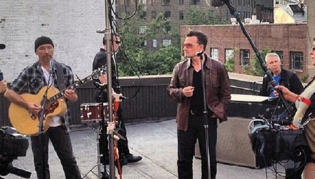 """imagen Escucha y descarga gratuitamente """"Invisible"""", la nueva canción de U2"""