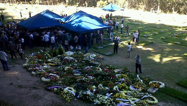 imagen En sencilla ceremonia se veló y enterró a Simón Díaz