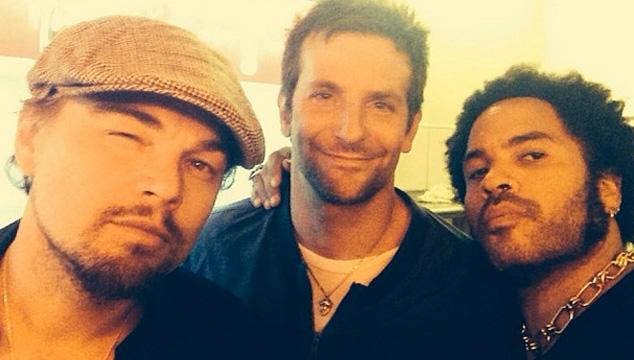 imagen Leonardo DiCaprio, Lenny Kravitz y Bradley Cooper comparten una selfie (FOTO)