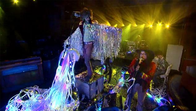 """imagen The Flaming Lips y Sean Lennon presentan versión aún más psicodélica de """"Lucy in the sky with diamonds"""""""