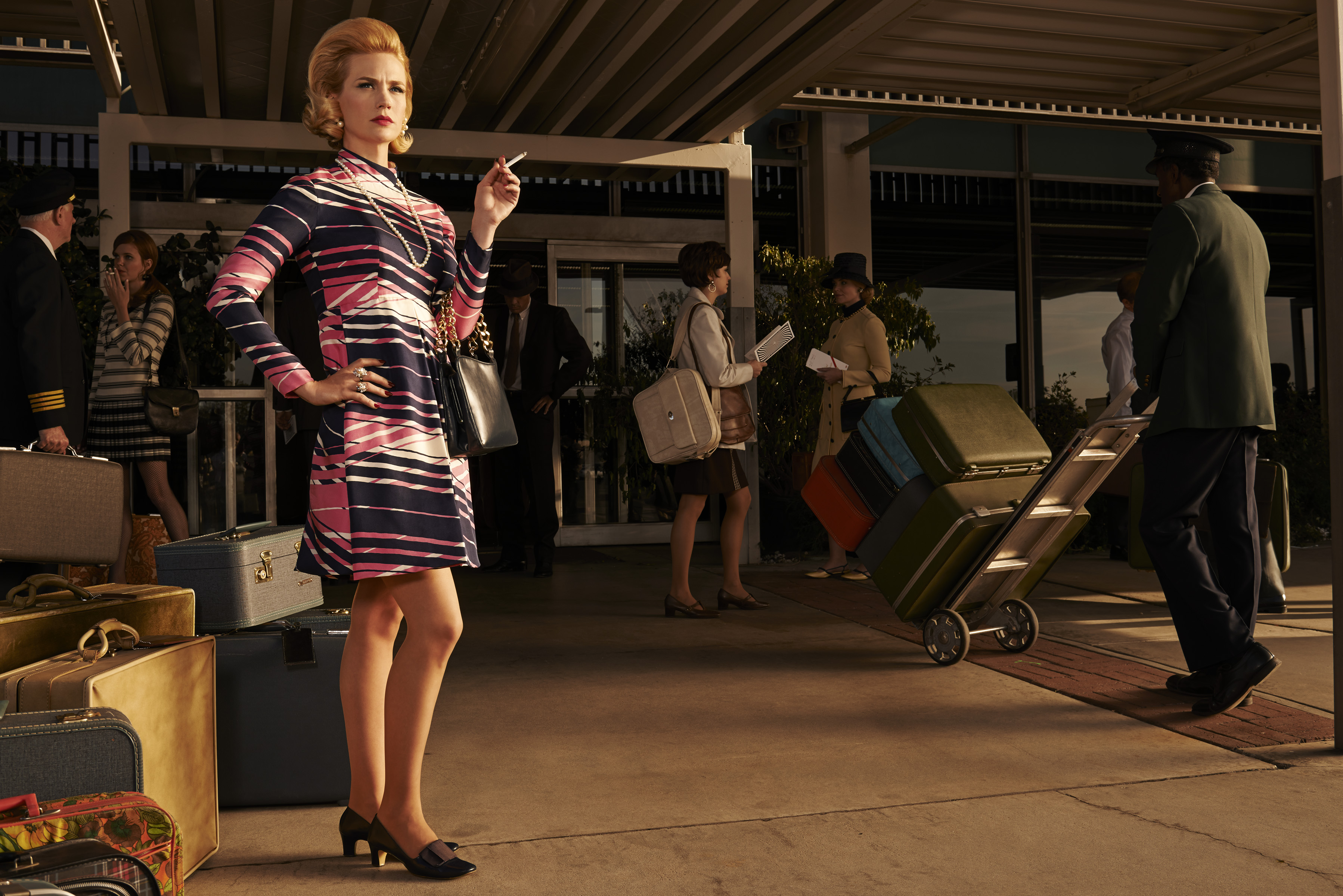 Mad-Men-Season-7-January-Jones-as-Betty-Francis