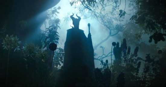 Maleficent-Angelina-Jolie-2-550x289