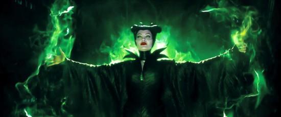 Maleficent-Angelina-Jolie-3-550x229