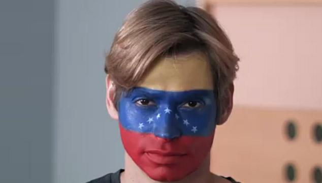 """imagen Carlos Baute usa imágenes de protestas en su nuevo videoclip """"Intenta respetar"""""""