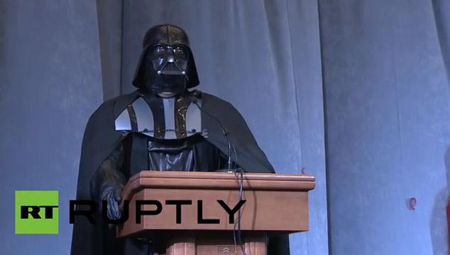 imagen WTF: Darth Vader es candidato a la presidencia de Ucrania (VIDEOS)