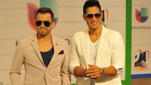 imagen El toma y dame en Twitter de Chino & Nacho con Roque Valero