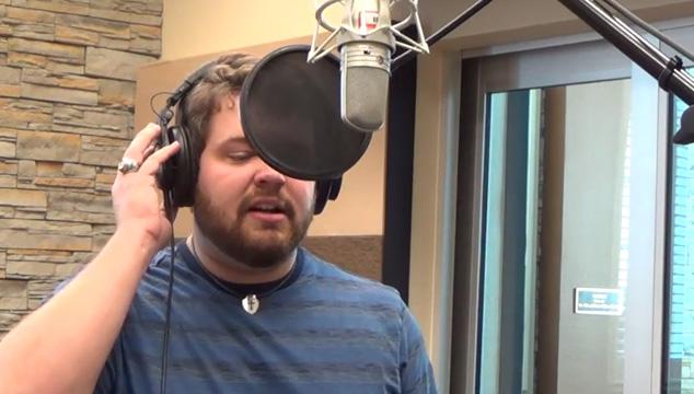 imagen Él canta la canción de 'Frozen' imitando las voces de 21 personajes de Disney y Pixar