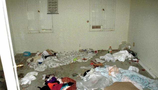 imagen Así era el desastre de casa de Kurt Cobain y Courtney Love (FOTOS)