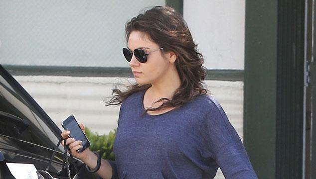 imagen Primera foto de la barriga de embarazo de Mila Kunis