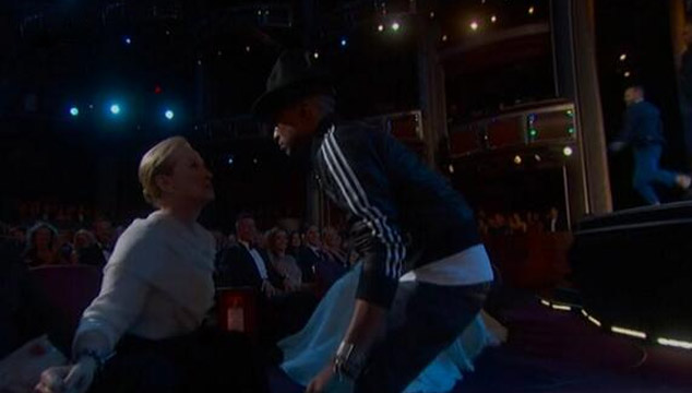 "imagen Lupita Nyong'o, Meryl Streep y Amy Adams bailaron ""Happy"" con Pharrell (VIDEO)"
