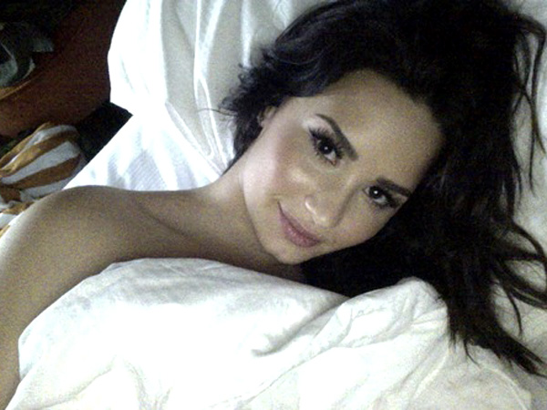 Demi-Lovato-leaked-cell-nudes-06