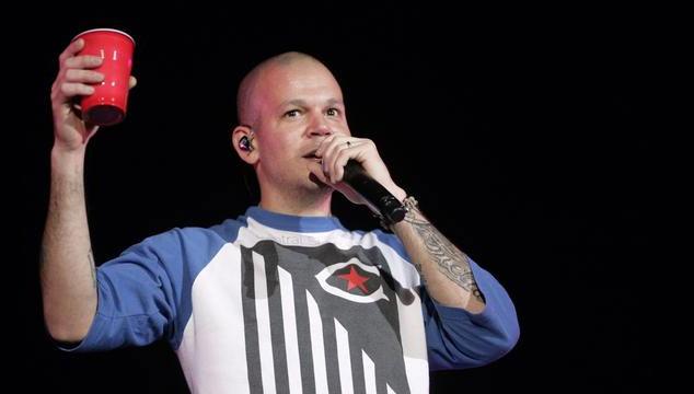 imagen Residente de Calle 13 se defiende por haber golpeado a fanático y critica a la prensa