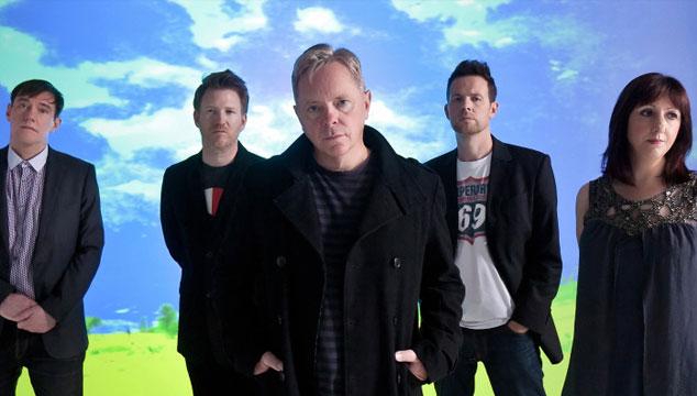 """imagen Escucha """"Drop the guitar"""", la primera canción de New Order en nueve años (VIDEO)"""