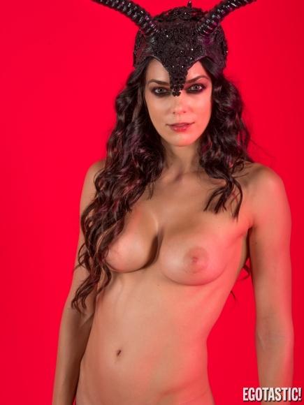 Adrianne curry fotos lesbianas desnudas diciembre de 2007