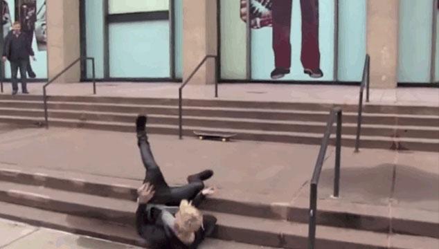 imagen Justin Bieber se las tira de patinetero… Y lo hace muy mal