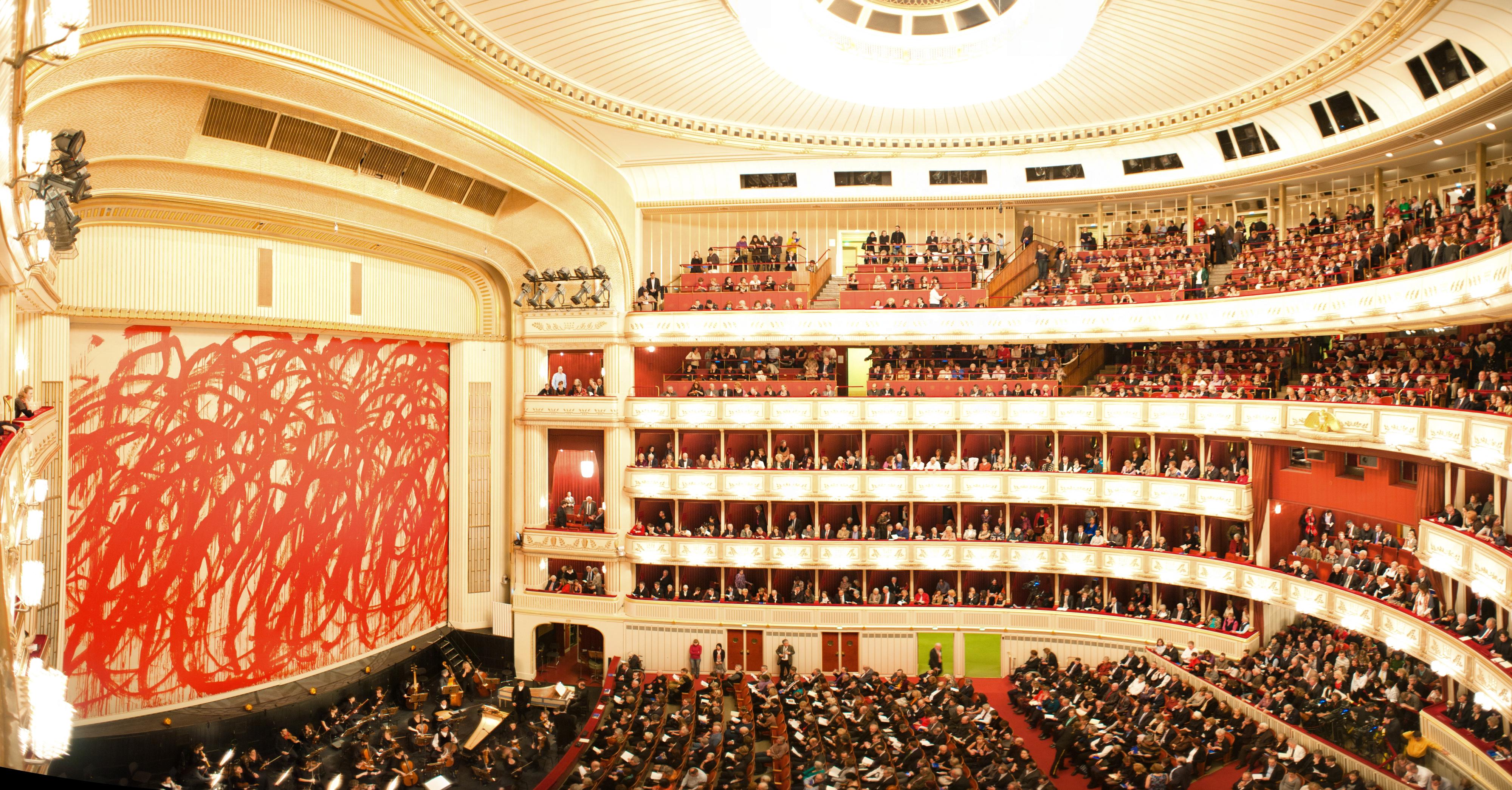 The_Vienna_State_Opera_(Wiener_Staatsoper)_interior._Vienna,_Austria,_Western_Europe