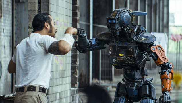 imagen 'Chappie': Robots sueñan con ovejas electrónicas de color negro, por Sergio Monsalve (CRÍTICA)