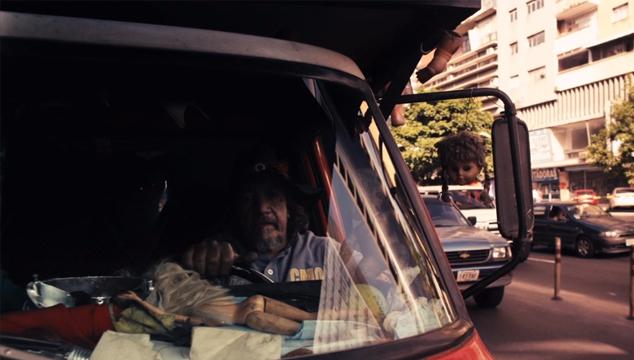 imagen Minidocumental sobre El Coleccionista de Muñecas, uno de los personajes más llamativos de Caracas