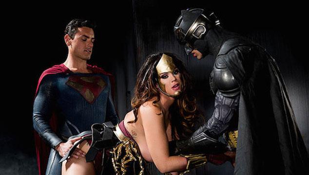imagen La parodia XXX de 'Batman v Superman' triunfa en los Oscar del Porno