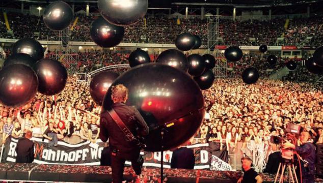 imagen Un dron se estrelló contra el público en pleno concierto de Muse (VIDEO)