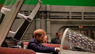 a-wing-harry