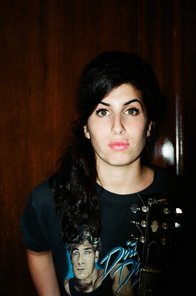 unseen-photos-of-a-young-amy-winehouse-were-the-happy-result-of-a-huge-thunderstorm-body-image-1463379453