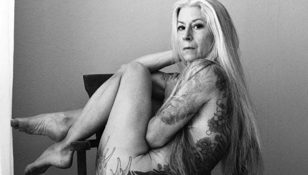 imagen Esta mujer tatuada de 56 años demuestra que se puede ser sexy a cualquier edad