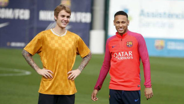 imagen Justin Bieber entrenó con el F.C. Barcelona (VIDEO)