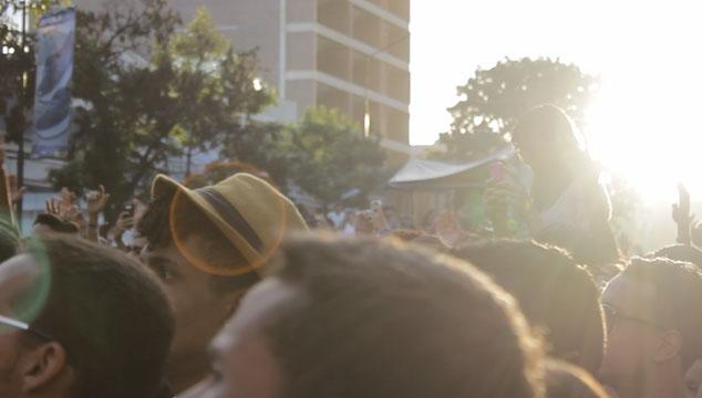 imagen Caracas se pegó al trip de Rawayana en la Av. Francisco de Miranda