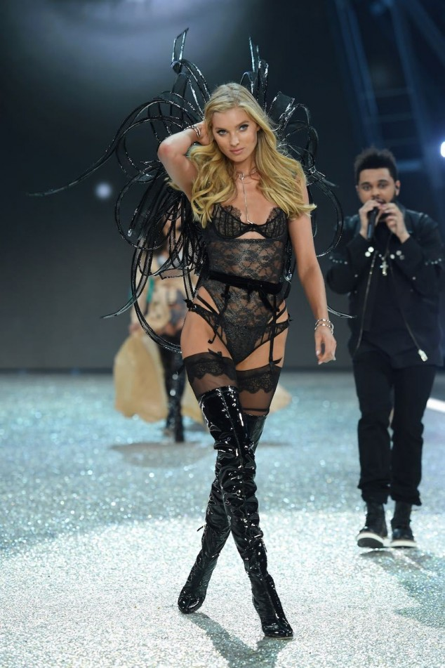 PARIS, FRANCE - NOVEMBER 30: Elsa Hosk walks the runway during the 2016 Victoria's Secret Fashion Show on November 30, 2016 in Paris, France. (Photo by Dimitrios Kambouris/Getty Images for Victoria's Secret)