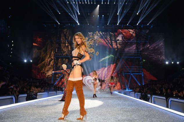 PARIS, FRANCE - NOVEMBER 30: A model walks the runway during the 2016 Victoria's Secret Fashion Show on November 30, 2016 in Paris, France. (Photo by Dimitrios Kambouris/Getty Images for Victoria's Secret)