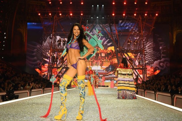 PARIS, FRANCE - NOVEMBER 30: Adriana Lima walks the runway during the 2016 Victoria's Secret Fashion Show on November 30, 2016 in Paris, France. (Photo by Dimitrios Kambouris/Getty Images for Victoria's Secret)
