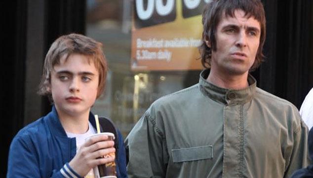 imagen El debut de Lennon, el hijo de Liam Gallagher, como modelo de pasarela