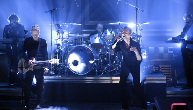 imagen Depeche Mode tocó 'Where's The Revolution' en el show de James Corden