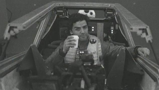 imagen Rian Johnson revela nombre del planeta de 'Star Wars: The Last Jedi' y más fotos detrás de cámaras