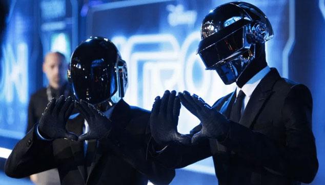 imagen Thomas Bangalter de Daft Punk fue sin casco a Cannes (FOTO)