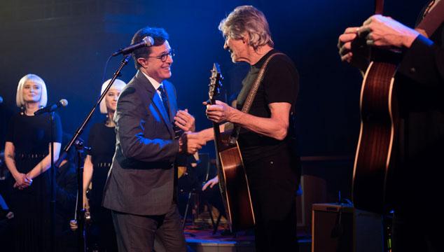 imagen Roger Waters tocó 'Déjà Vu', su nuevo tema, en el show de Stephen Colbert