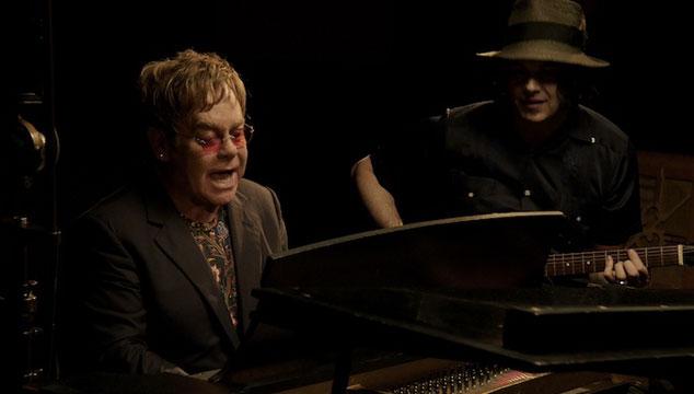 imagen Jack White y Elton John tocan su nueva canción de blues: 'Two Fingers of Whiskey' (VIDEO)