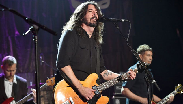 imagen Foo Fighters estrenó tres temas en vivo